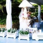 carrito de golosinas y tren  para decorar la carpa de boda fabricado con cajas de fruta